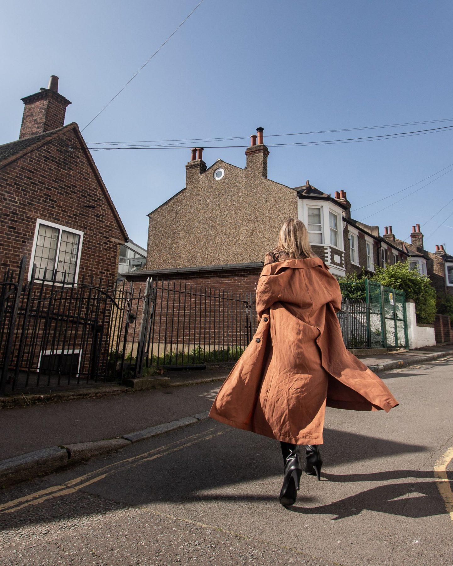 Brick colour coat